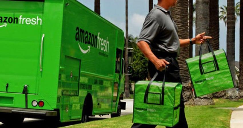 Un livreur Amazon Fresh